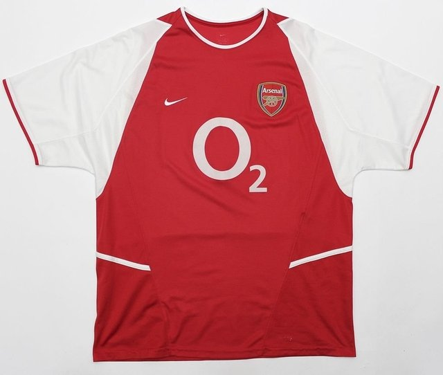 Arsenal Football Club 2002/2004 Home na internet