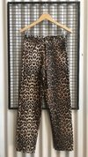 Q024 PANTALON ALEXANDRA MOM FIT LEOPARDO