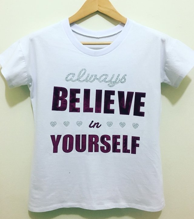 T-shirt gola careca manga curta M/M BELIEVE IN YOURSELF