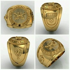 Cavalry ring of the School of arms sergeants in 18k yellow gold