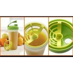 BATETODO  VERDE LIMA  y BASE TRANSPARENTE 680 ml TUPPERWARE