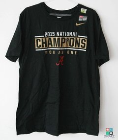 Camisa Nike College Football Alabama Crimson Tide Champions Locker Room Draft Store
