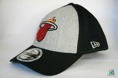 Boné Miami Heat New Era NBA Reflective 39THIRTY Draft Store