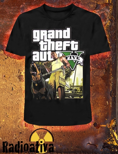 CAMISETA GEEK - GTA 5 - FRANKLIN E CHOP