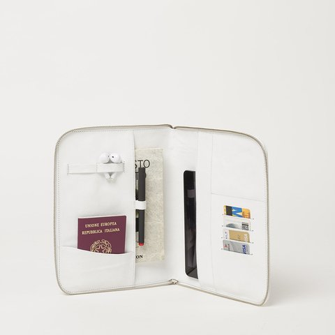 Travel Document Organizer (MBL) - Fracking Design
