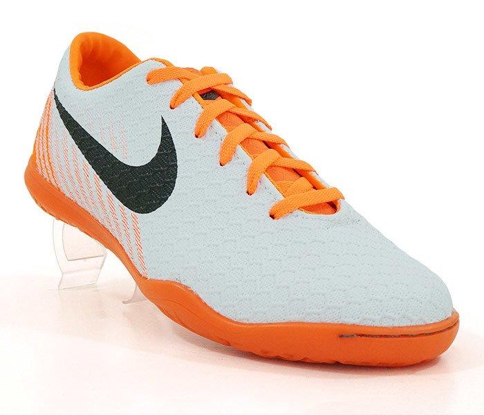 Chuteira Futsal Nike Magista Branco e Laranja 7a57e7efd57c0