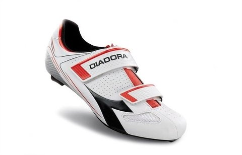 DIADORA PHANTOM II SHOES