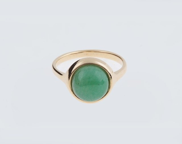 green-stone-ring