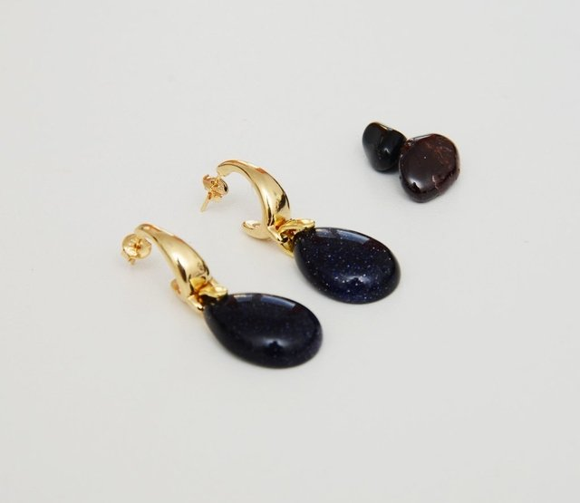 stone-earrings