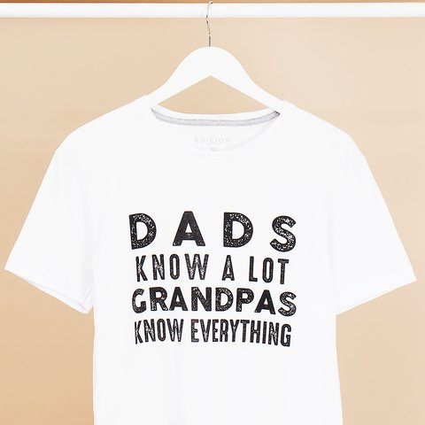 REMERA DADS KNOW A LOT