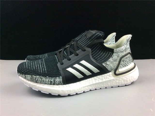 Ultra Boost 5.0 2019 Core Black Linen Green - comprar online