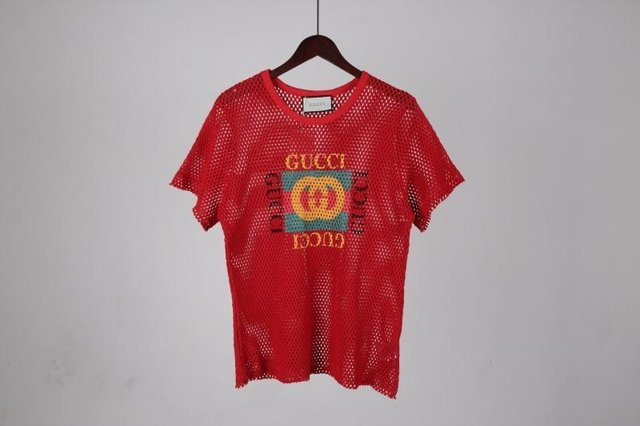 Camiseta Gucci na internet