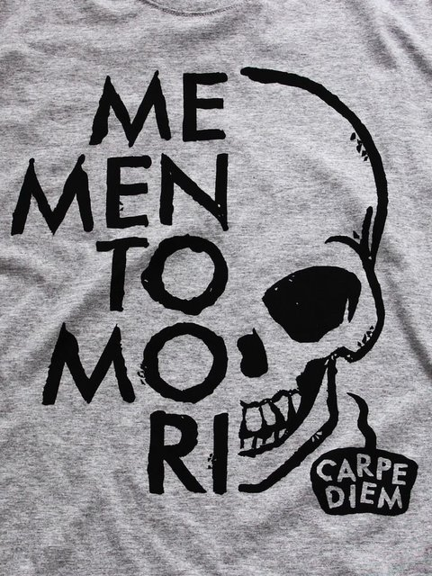 Memento Mori on internet