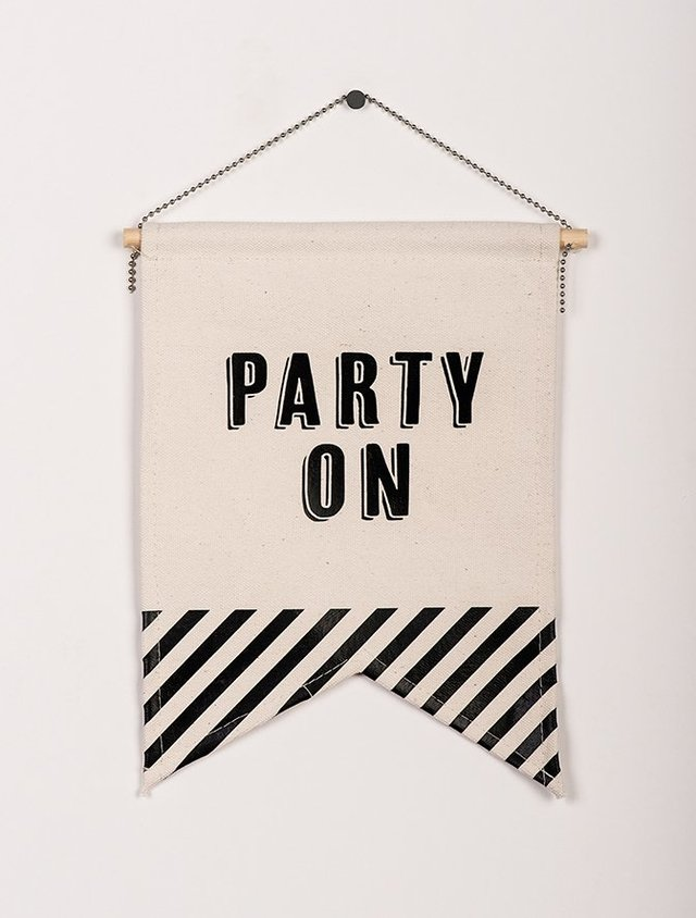Banderin PARTY ON - comprar online