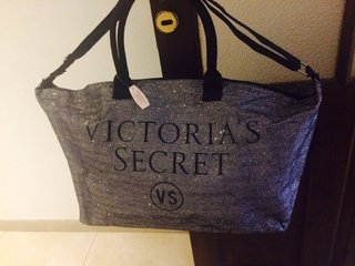 Maxi Bolso Victoria  Secret en internet