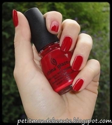 China Rouge - China Glaze na internet