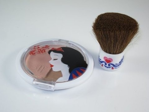 Snow White Bronzer e Kabuki The Fairest of Them All - Face Collection - Elf - comprar online