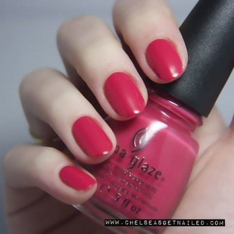 Passion For Petals - China Glaze Autumn NIghts na internet