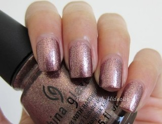Strike Up a Cosmo - China Glaze Autumn Nights Collection na internet