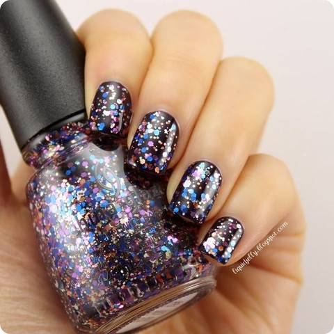 Your Present Required - Happy Hollidaze China Glaze na internet