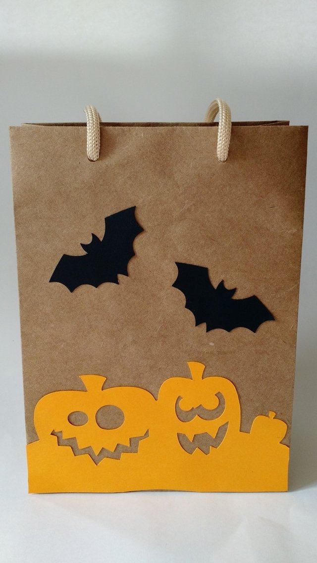 Sacolas decoradas Halloween - kraft