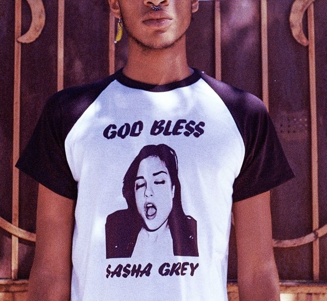 REMERA God bless Sasha Grey