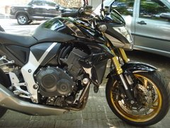 CB 1000 R - AUTOMOTOS