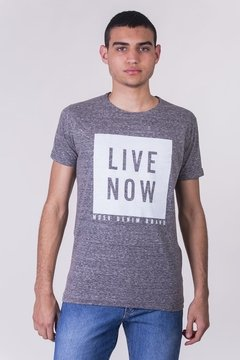 REMERA CUELLO/O LIVE NOW DENIM BRAND
