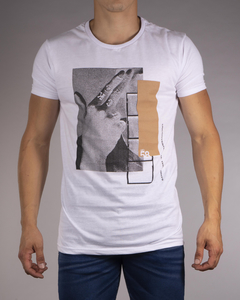 Remera MD58 Unconventional Thoughts - comprar online