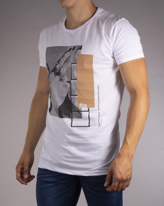 Remera MD58 Unconventional Thoughts - tienda online