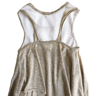 Triangle dress in sand cotton and voile 100% cotton, white, very versatile and fresh, lots of movement. A very chic folk look.