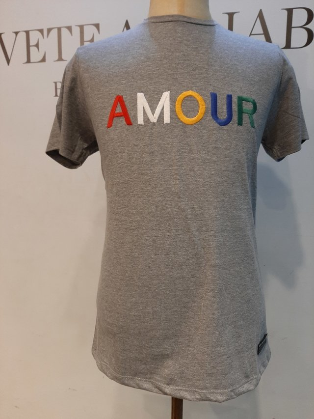 Remera Amour en internet