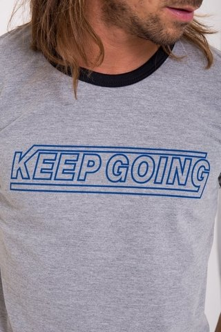 Remera Keep going en internet