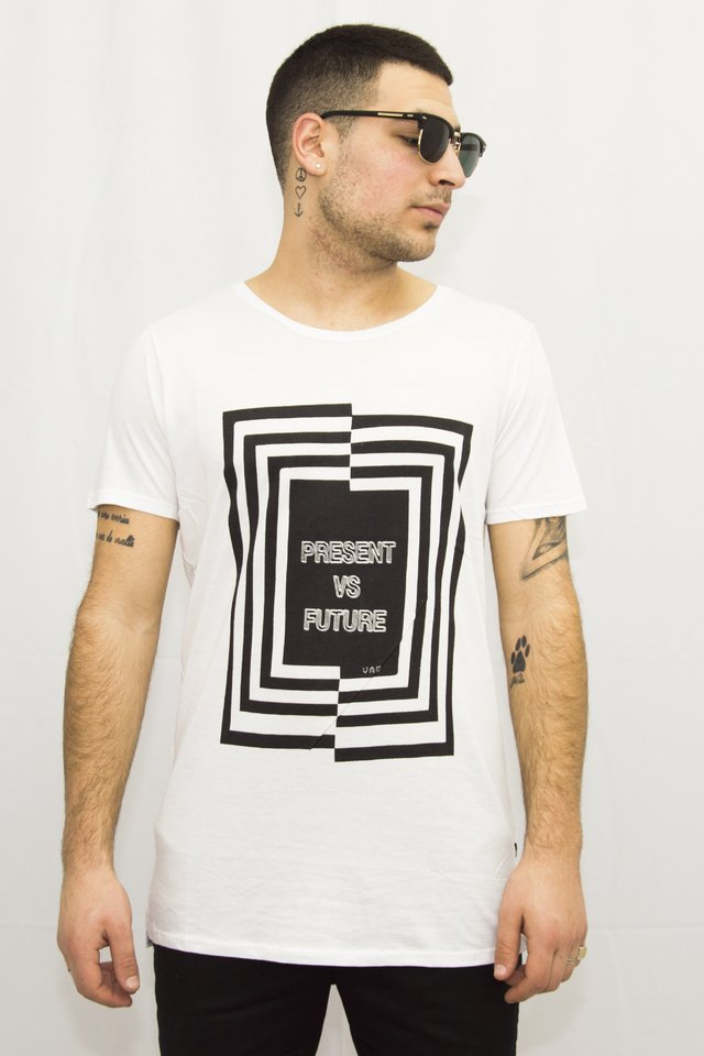 Remera Future Art V181056