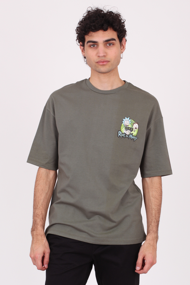 Imagen de REMERA OVERSIZE RICK AND MORTY