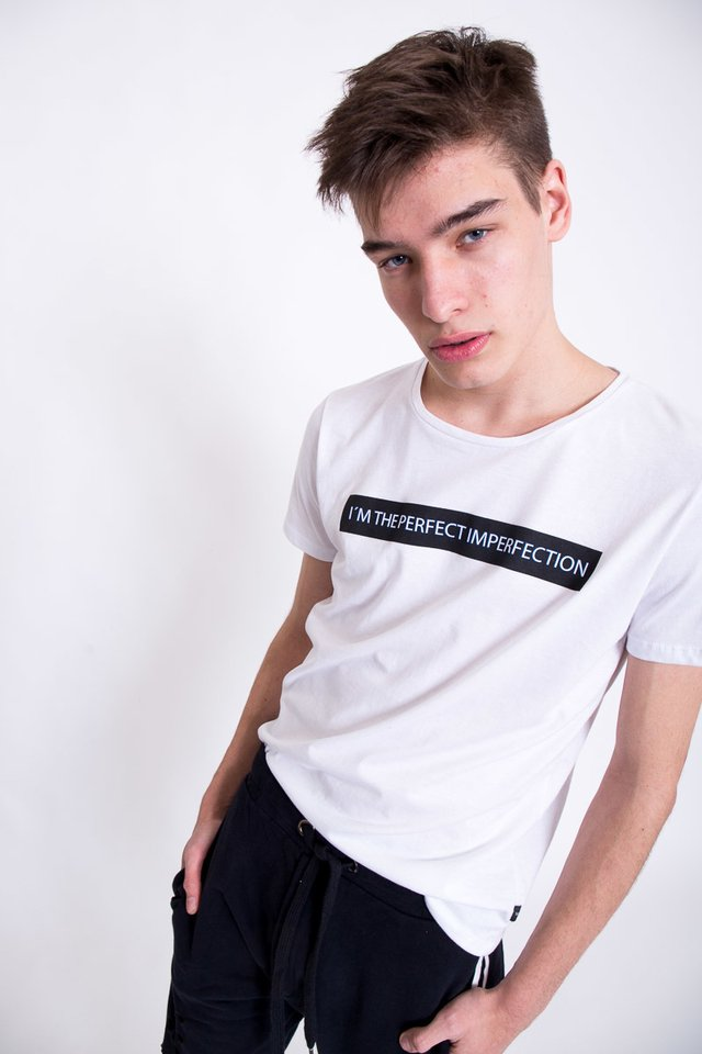 REMERA PERFECT IMPERFECTION