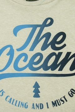 "REMERA ""THE OCEAN IS CALLING"" - comprar online"
