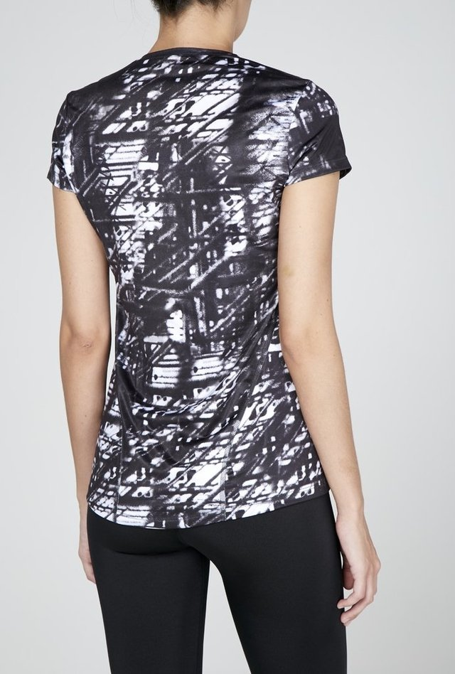 Remera Sublimada Rock - comprar online