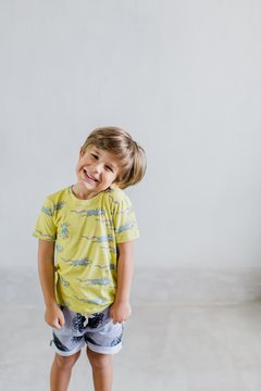 Look infantil, divertido, descolado, short e camiseta, estampa exclusivas