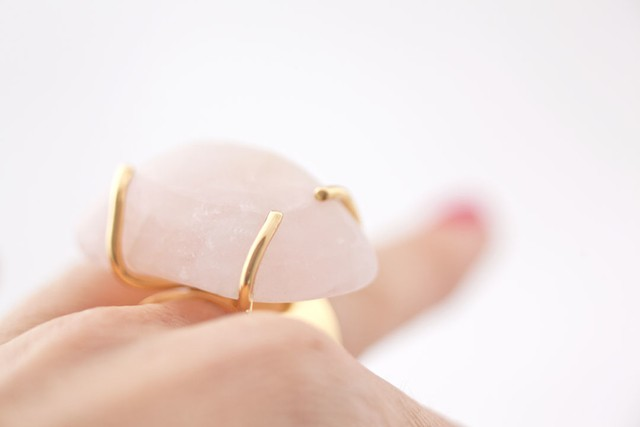 Eva Pink Quartz Ring