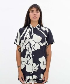 CAMISA SURREAL FLOWERS na internet