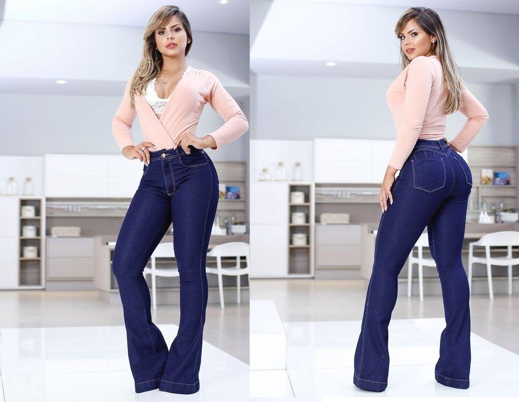 d237259f5 Calça Jeans Flare Cintura Alta - Preta Madá Jeans