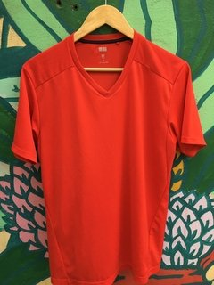 Remera Uniqlo Red (M1006)