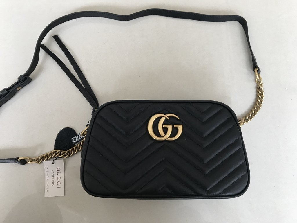 cb4fc239a Bolsa Gucci Marmont Média Preta