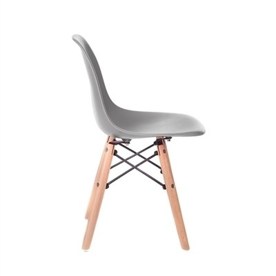 cadeira-eames-junior-cinza-com-base-de-madeira-natural