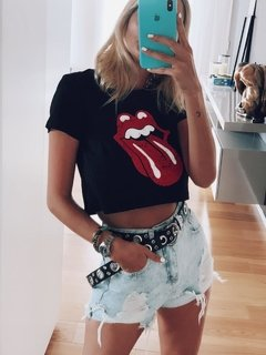 Remera crop rolling en internet