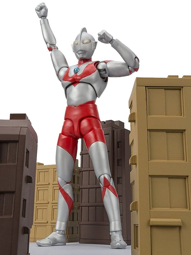 ULTRAMAN 50th ANIVERSARY EDITION - EXCLUSIVO S.H.FiGURATS - CCXP 2016