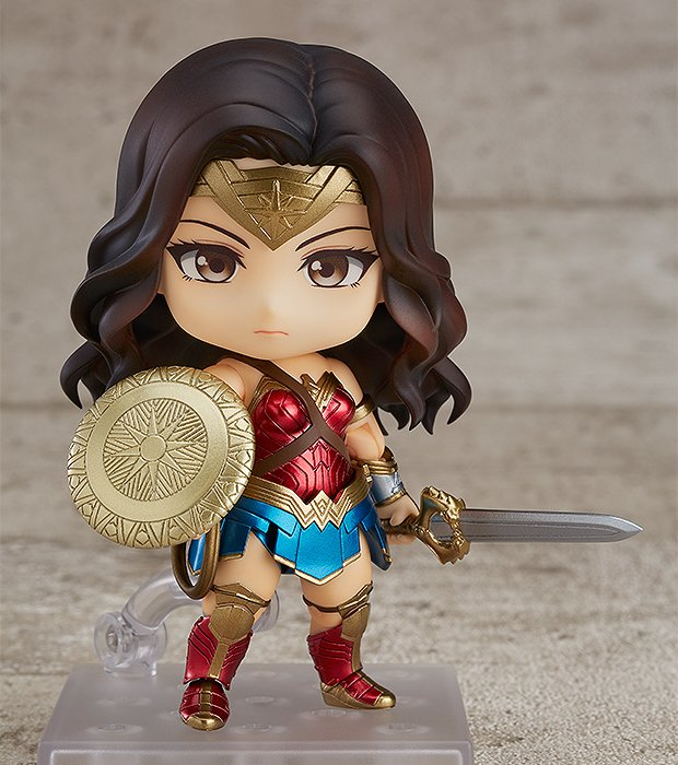 NENDOROID - WONDER WOMAN HERO'S EDITION na internet