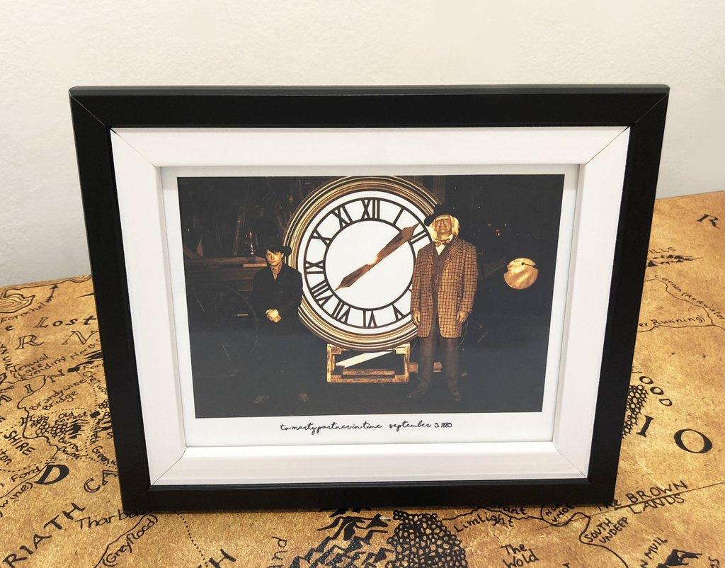 Cuadro con marco - Foto de Doc y Marty con el reloj 1885