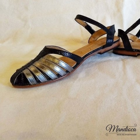 Pizzazz Negras y Peltre - Mandioca Shoes